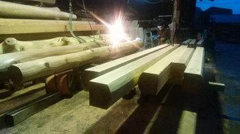 骨太材の製材加工|自然のエネルギーを感じる極太の大黒柱がある住まい-福岡県筑後市-