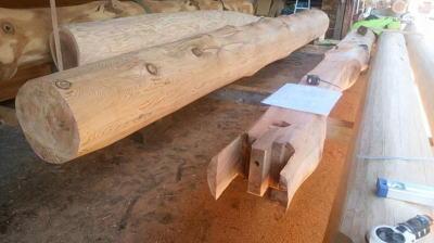 骨太柱の加工中|福岡県筑後市の木造りの家