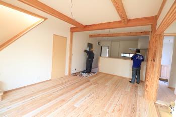 完成に向けて工事中|暮らしの変化にも対応 健康を考えたシンプルな住まい-大分県日田市-