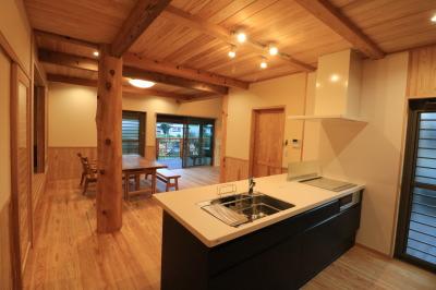 お客様をご案内!|こんな家に住みたい!夢をかなえた本物の自然素材の家-福岡県糟屋郡新宮町-