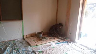耐火レンガ施工中|大分県日田市の木造りの家