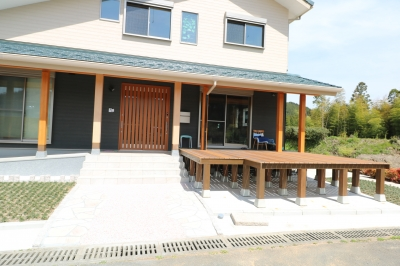ウッドデッキ|大分県日田市の木造りの家