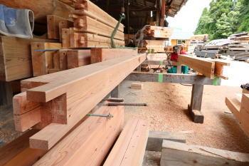 切り込み加工|大分県由布市の木造りの家