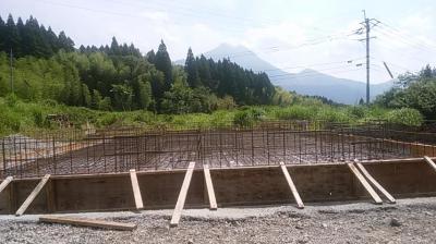 基礎工事|大分県由布市の木造りの家