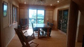 お客様案内する!|福岡市早良区の木のリノベーション
