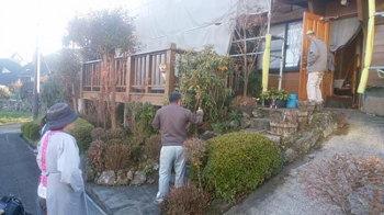 外壁と屋根の再塗装中!