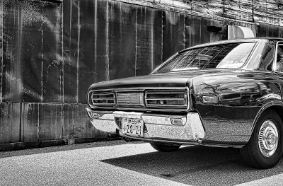 old_car_bw