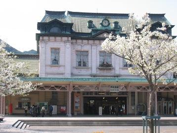 門司港駅と桜