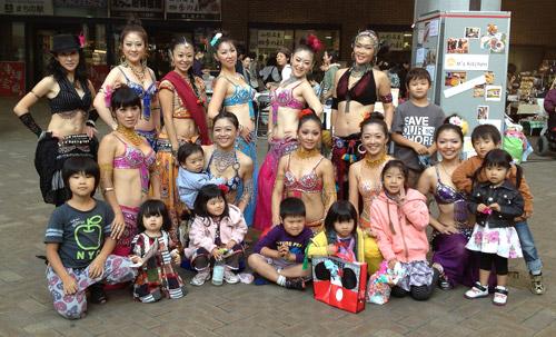 横浜を中心に活動するトライバルベリーダンスチームLilas。この日は町田で開催されたココカラフェスタで踊って来ました!