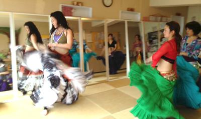 トライバルベリーダンスチームLilas。鎌人いち場はジプシースタイルで踊ります!