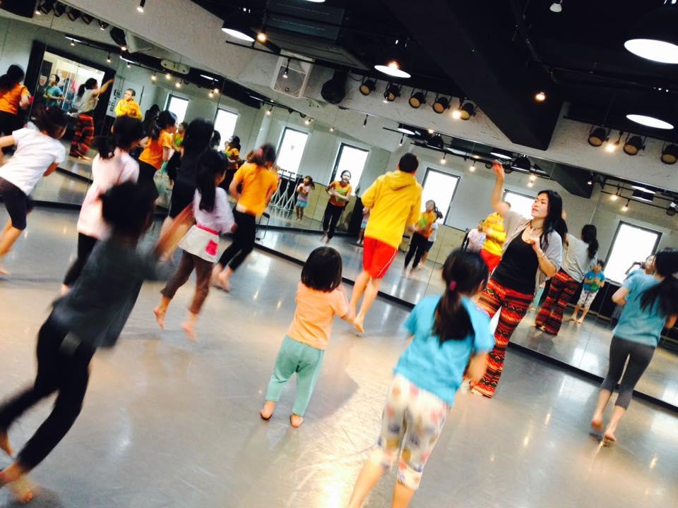 キッズダンス 3歳〜12歳 Zinnia  ベリーダンス 習い事 横浜