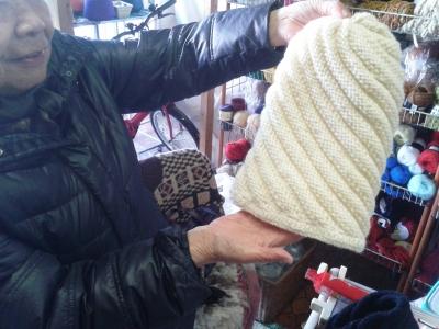 編み物教わる