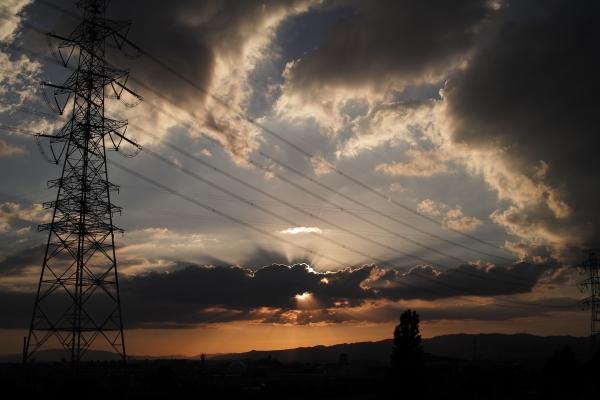 日輪、雲より出づるの景