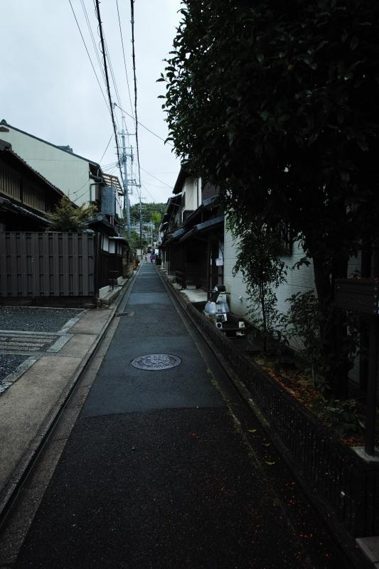 深草石峰寺門前景色.JPG