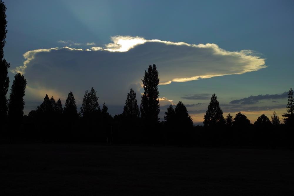 巨大カナトコ雲