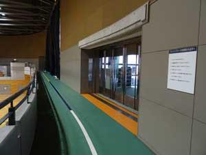 小金井市総合体育館ランニング走路03