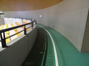 小金井市総合体育館ランニング走路05