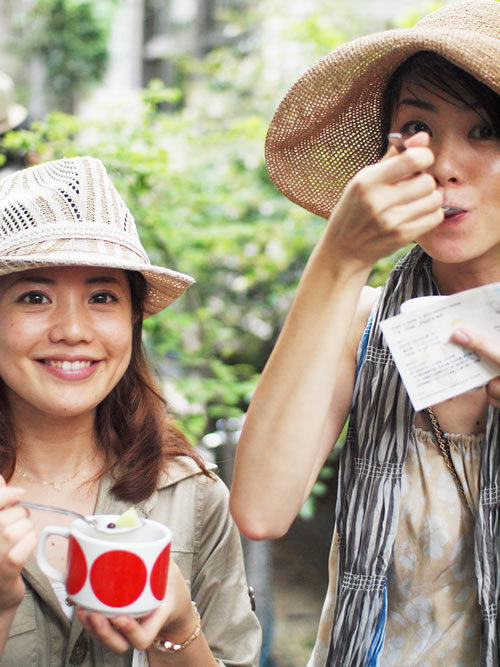 Grand Mamma 雨宮さんとチャング 長谷川さん。野菜女子の会という野菜を食べる会をやっているとか。
