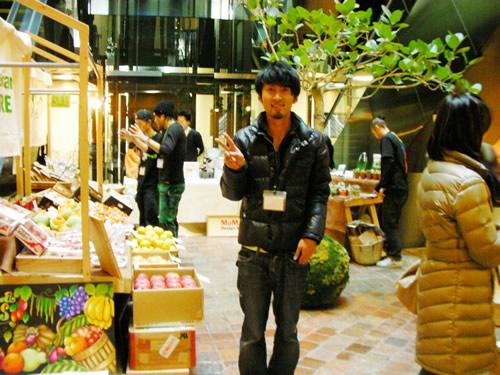 Farmer's Market @ GYREの運営Media Surf Communicationsの竹田くん。いつも走り回ってます。ありがとう!