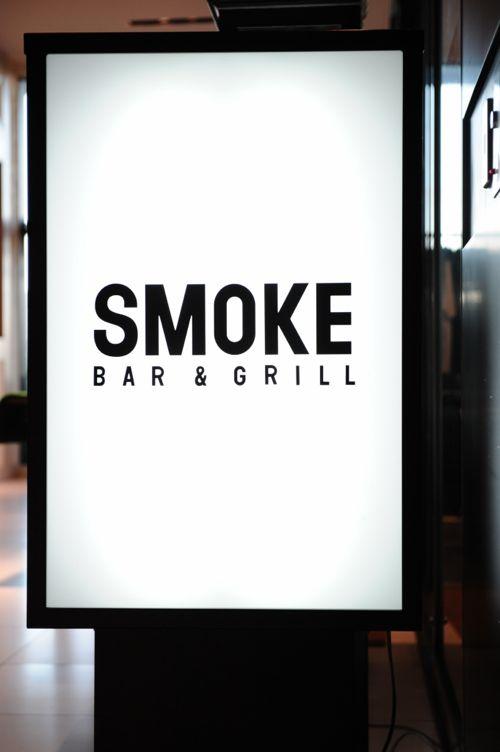 会場はおなじみSMOKE Bar & Grill。