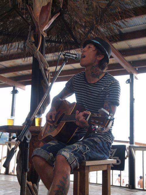 Akila 1st Stage!江ノ島をバックに夏を歌い上げる。