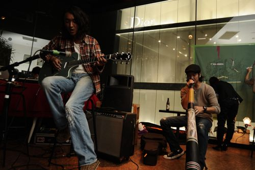 急遽はじまったJAZZギターとディジュリドゥのJAM!