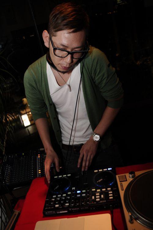 Shing5 a.k.a. DJ La-ni。最近クールさに磨きがでてきたなぁ。