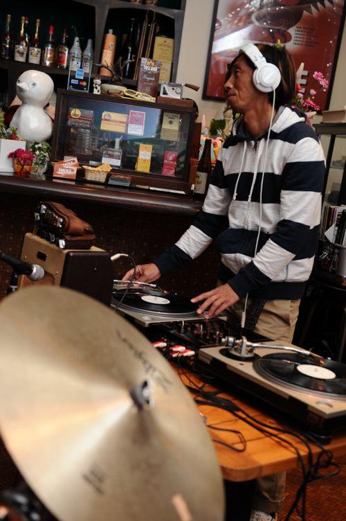 DJ Shingo * 420さん。クールなプレイは変わらず!