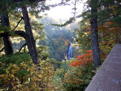 モウカケの滝