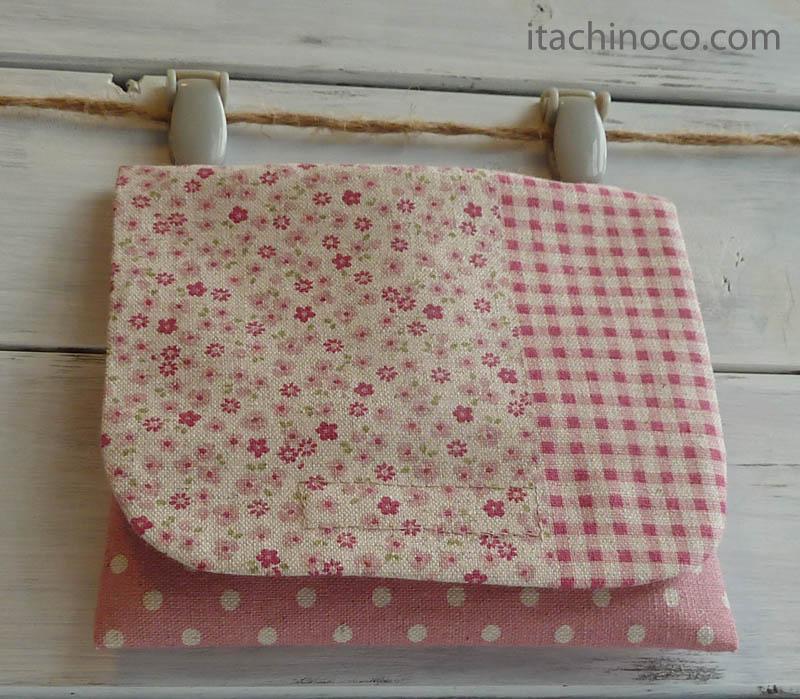 外付けポケットミニ ピンクパッチワークお花チビチビドット