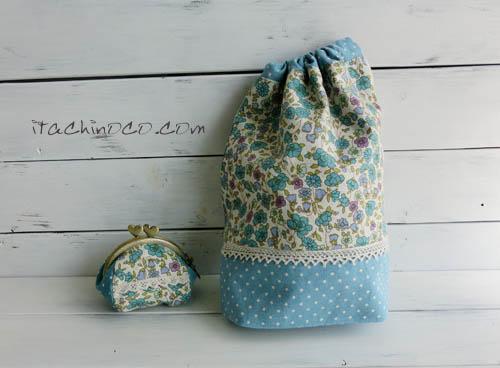 水色と紺色の花柄巾着袋3