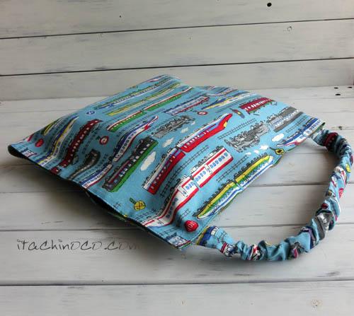 電車柄の防災頭巾カバー