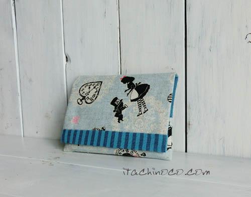 水色アリス柄のティッシュケース
