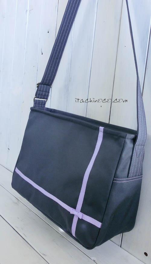 ネイビーと薄紫リボンのショルダーバッグ1