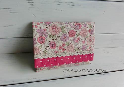 小花柄とラズベリーピンクドットのティッシュケース