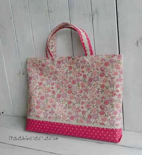 小花柄とラズベリーピンクドットのキルティング入り絵本バッグ1