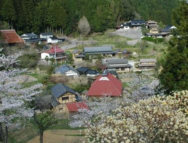 とある山間の村