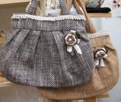 アトリエねこ・手織布のバッグ