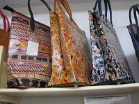 フェアトレード山羊革バッグ2