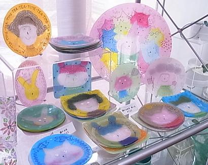 水吉郁子*顔のお皿