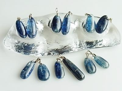 ヒマラヤの青い石*カイヤナイトヒーリングペンダント