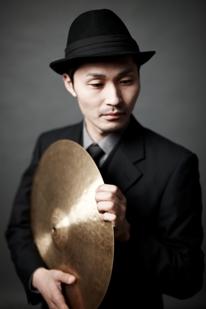 井谷享志 percussion, drum