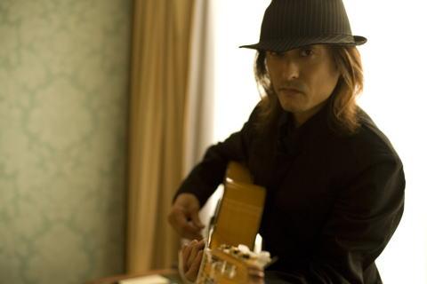 高木潤一 (Guitar)