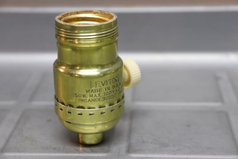 1970年 LEVITONソケットランプ修理