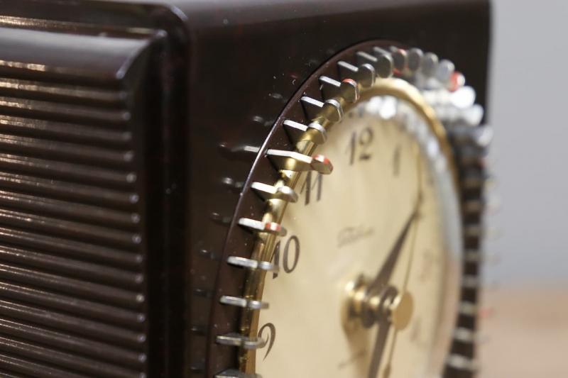 1950年代 ヴィンテージベークライトTelechronデスククロック
