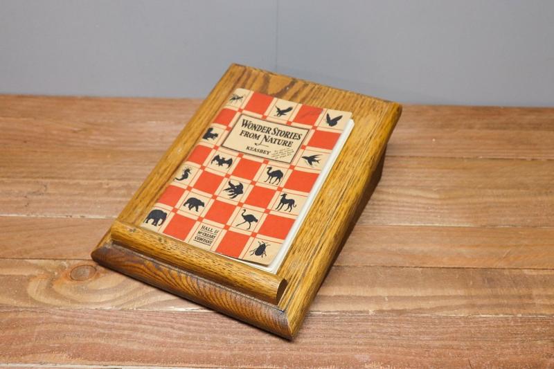 1970年代 ヴィンテージオークテーブルトップブックスタンド