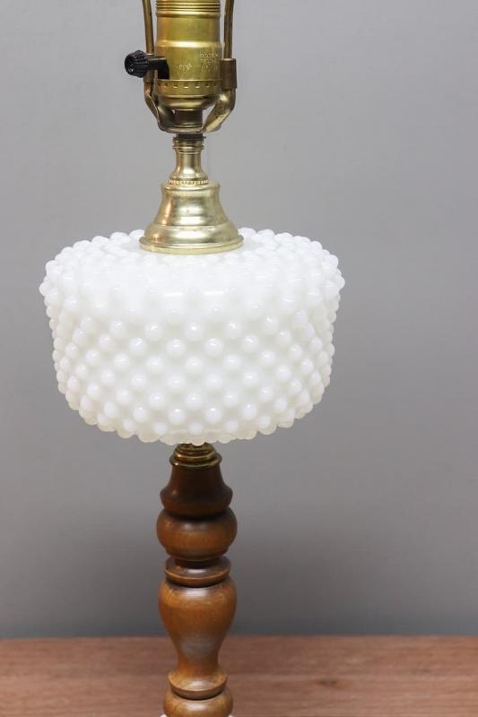1960年代 ヴィンテージホブネイルデザインミルクガラステーブルランプ