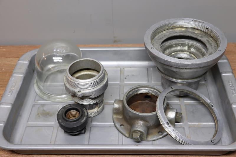 1960年代Crouse-Hinds社製インダストリアルスタンドランプメンテナンス