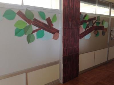 図書館の木