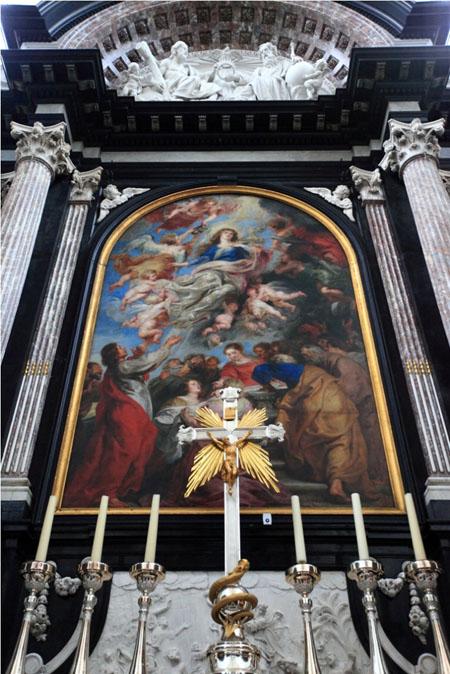 聖母マリア大聖堂.jpg